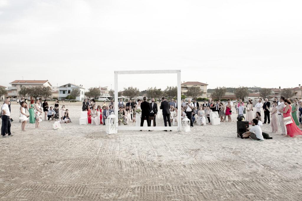 cerimonia_in_spiaggia_acquapazz_lemarche17