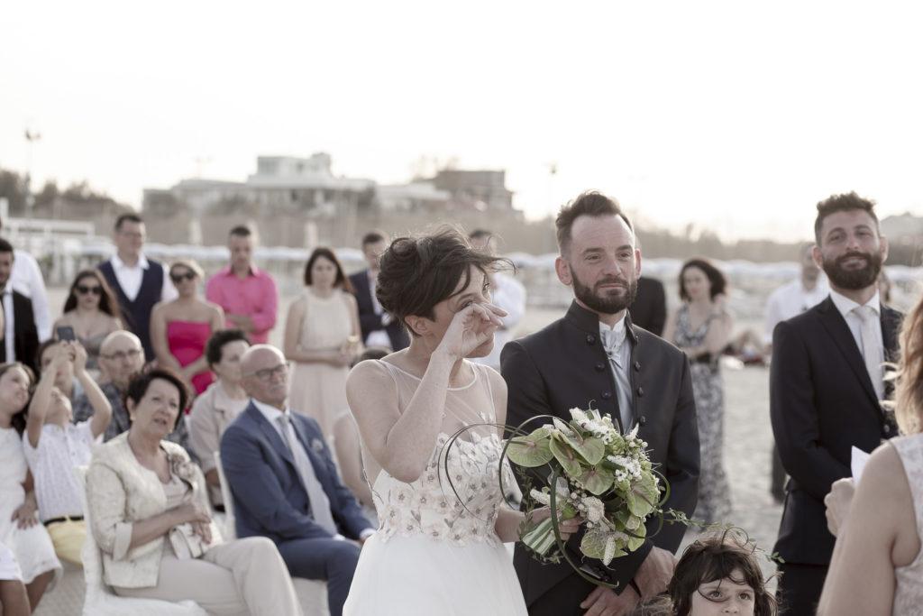 cerimonia_in_spiaggia_acquapazz_lemarche22