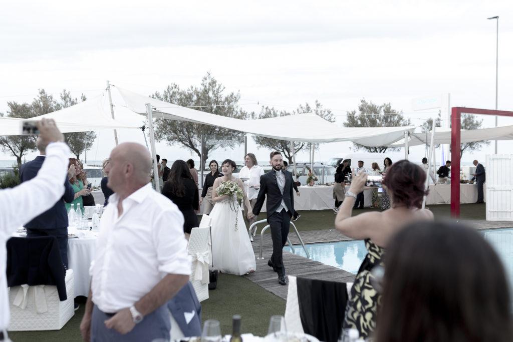 cerimonia_in_spiaggia_acquapazz_lemarche44