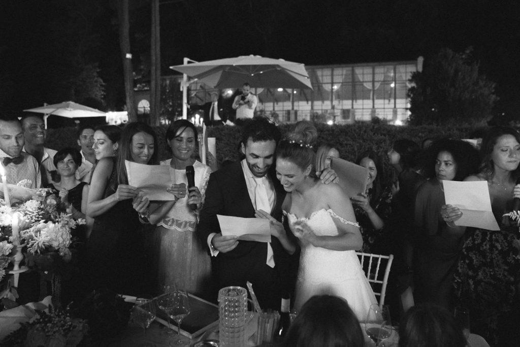Canto di Gruppo con gli sposi durante la festa del loro matrimonio