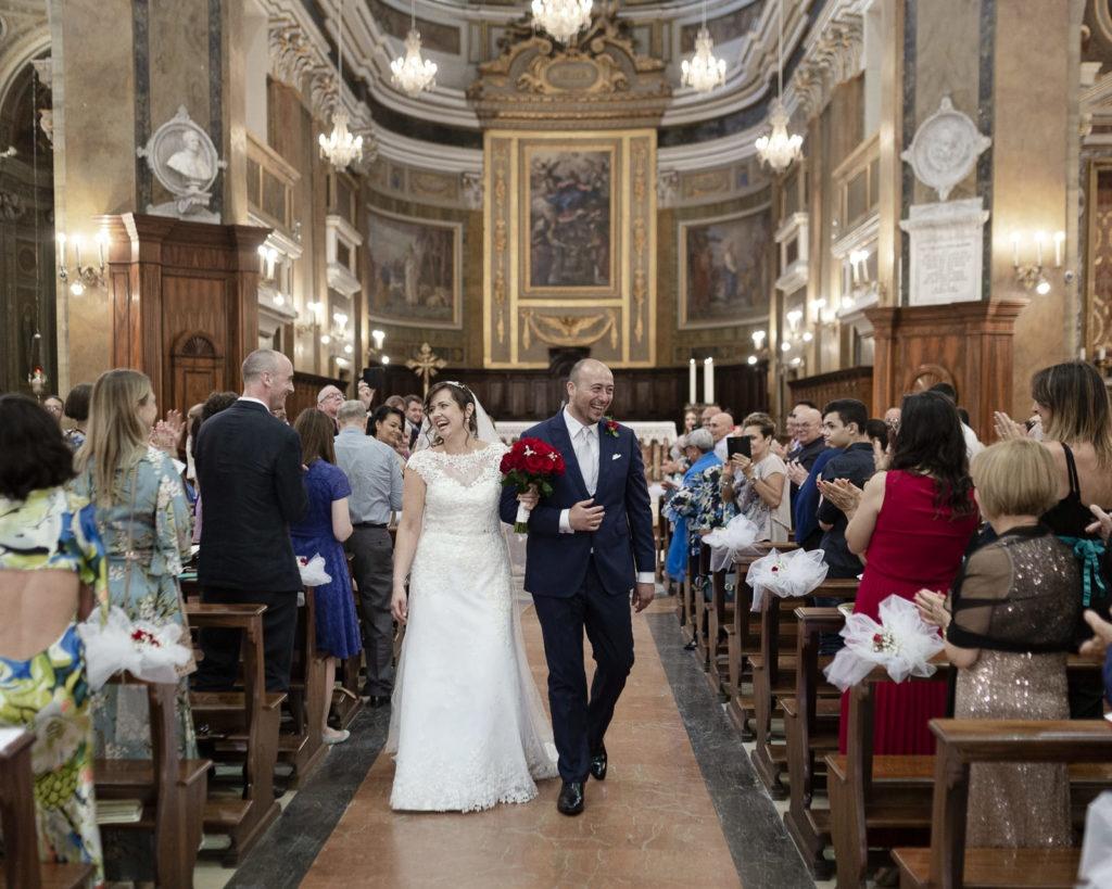 uscita dalla chiesa degli sposi