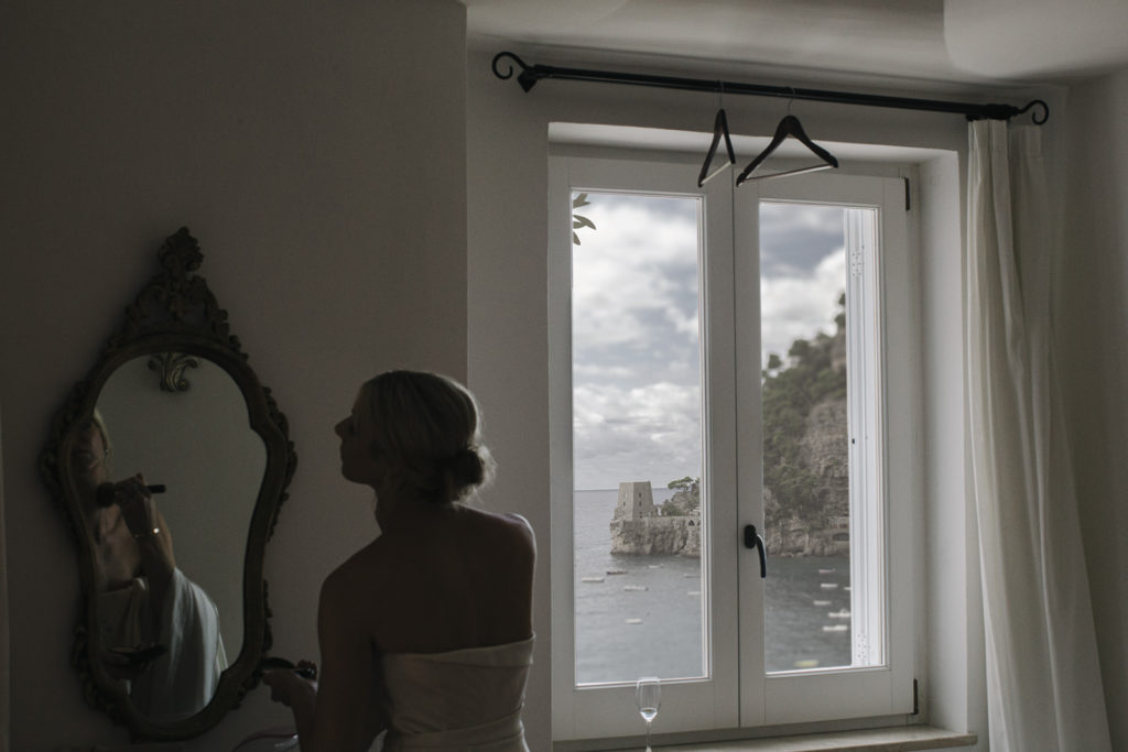 getting ready bride in positano